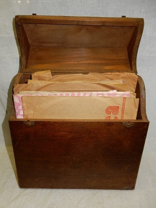 Platenkoffer hout antiek bakeliet