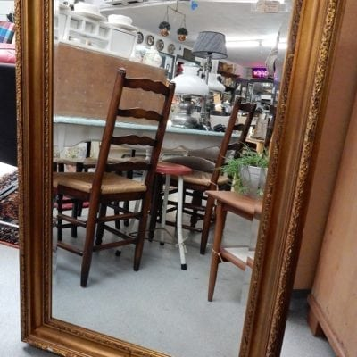 facet geslepen spiegel met brocante lijst